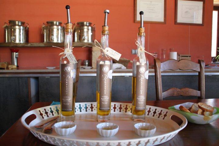 Dégustation d'huile d'olive au Domaine Les Perpetus